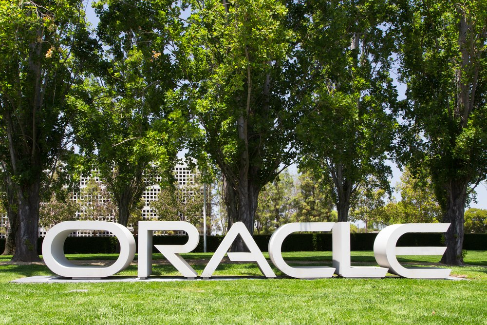 Oracle now offers a new #serverless development platform &amp; a package of #container-related services.  http:// ora.cl/Pe1uH  &nbsp;  <br>http://pic.twitter.com/bJAbq2f0Uz