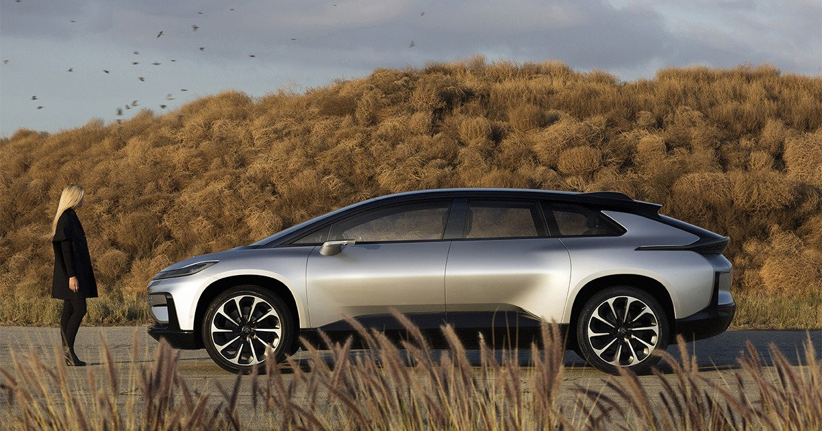 Faraday Future unveils first production car, but all doesn&#39;t go well:  http:// bit.ly/2icjRdr  &nbsp;    #Tech #News #IoT #CES2017 <br>http://pic.twitter.com/lw57jJNR3s