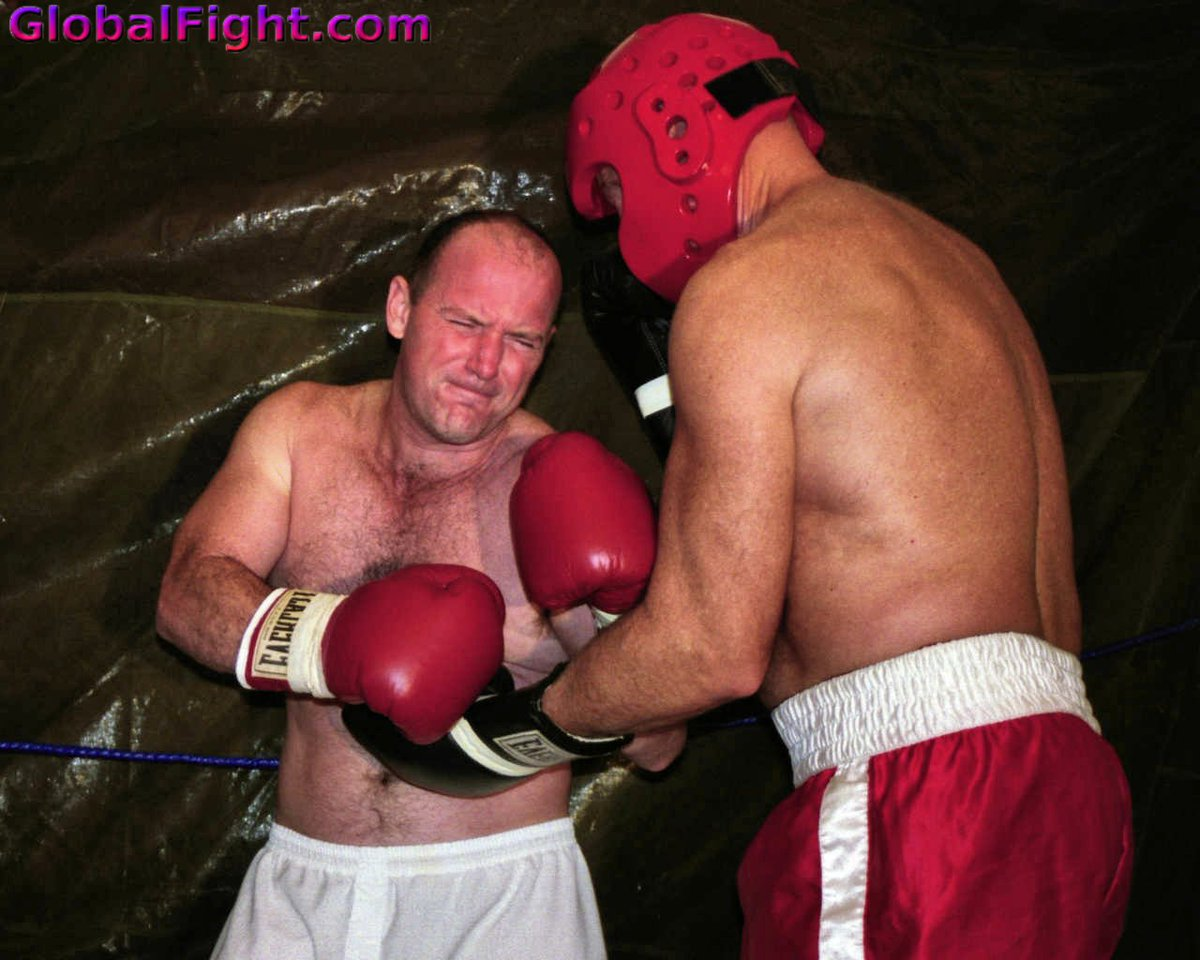 My  http:// GLOBALFIGHT.com  &nbsp;   LA fighting friends #boxing #man #boxer #males #gallery #fighters #pictures #gym #sparring #training #profiles<br>http://pic.twitter.com/MuU0sFPA8J