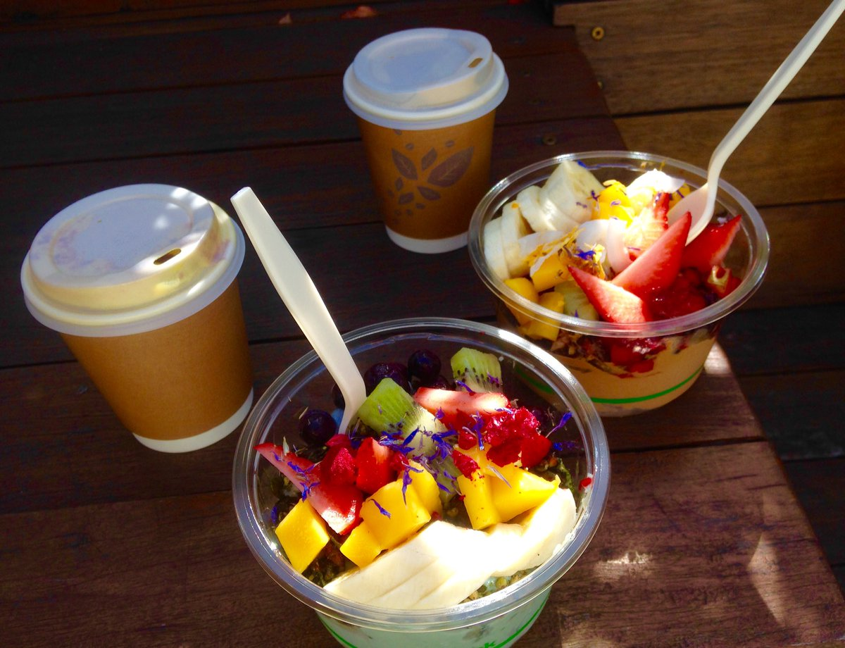 Saturday mornings are for acai and almon...