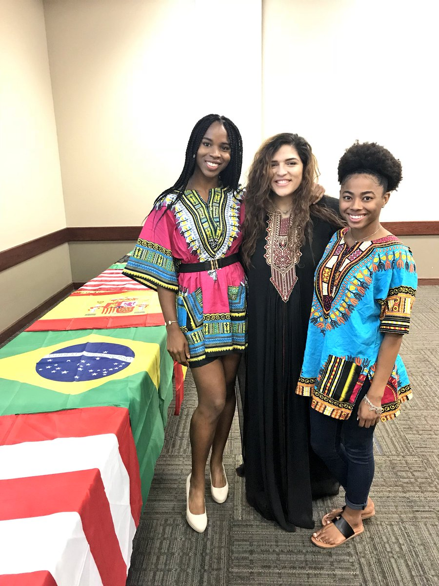 S/O to our Membership Chair Nadine Akari and the Arab Students Association for hosting such a great event #FlagDay  <br>http://pic.twitter.com/e7msVcmEow
