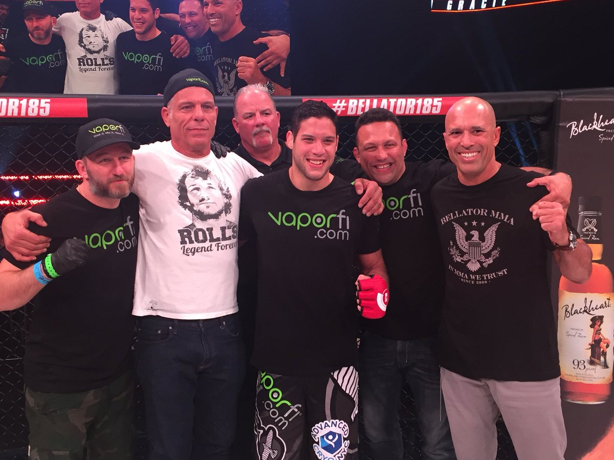 So many Gracies as @NeimanGracie remains undefeated! #Bellator185 http...