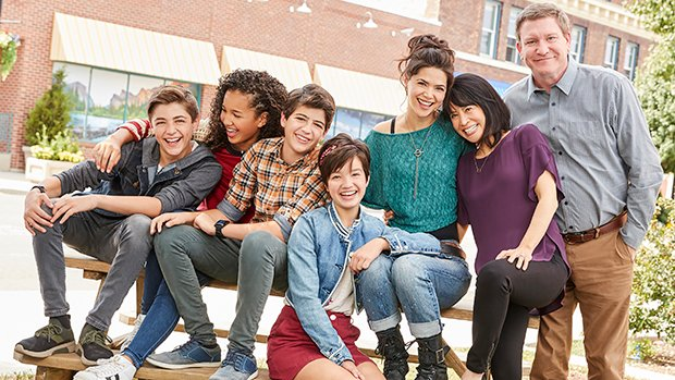 The #AndiMack cast is the CUTEST in this exclusive BTS video filming @SabrinaAnnLynn's theme song for the show! https://t.co/gXrI6XjSTb