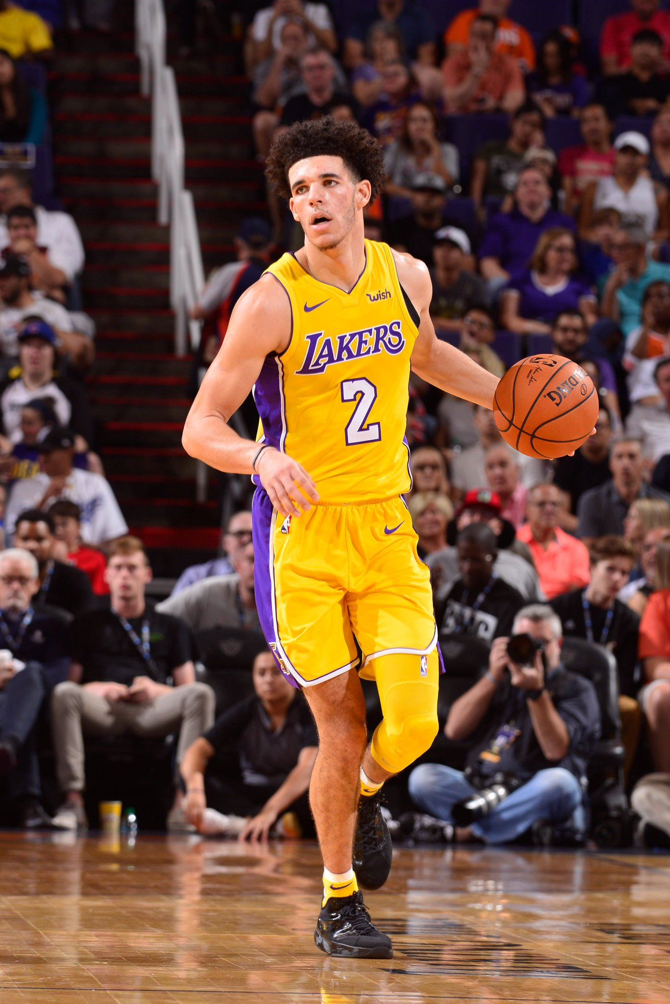 Lonzo Ball's 2nd game as a @NBA player:  29 PTS - 11 REBS - 9 ASTS  #NBARooks https://t.co/NRajinxbsi