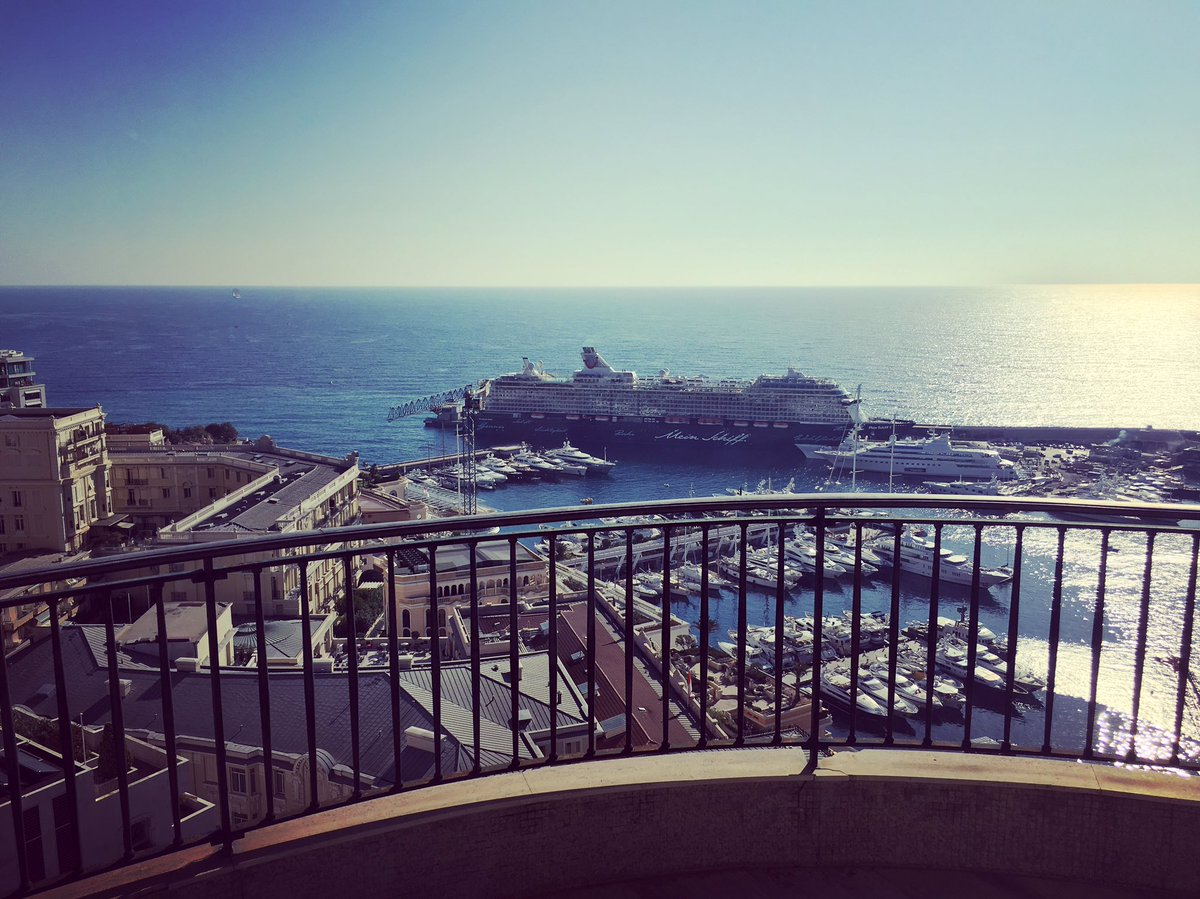 Available now ;) #terracewithaview #seaview #prettyview #apartment #rent #monaco #montecarlo #welcome #goodmorning #realty #realestate<br>http://pic.twitter.com/7XlC0hU8Oz