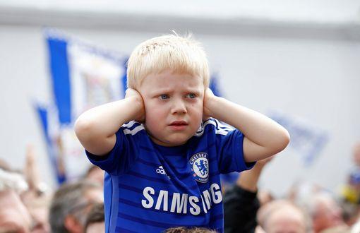 Chelsea down to 9-men, what a way to start the season! #CHEBUR #PremierLeague<br>http://pic.twitter.com/BxkUVvtn7G