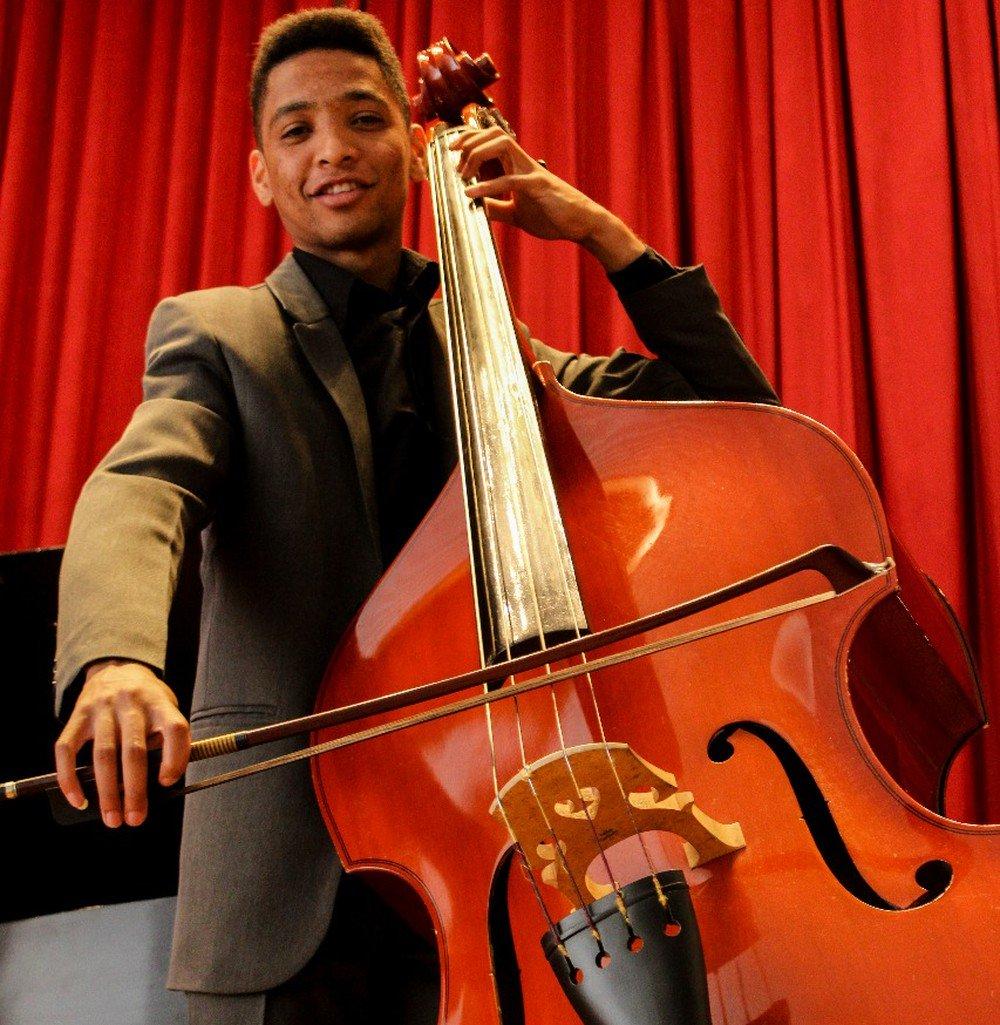 Jovem músico faz vaquinha para juntar R$ 15 mil e estudar em universidade nos EUA. Conheça a história de Wendell https://t.co/0ZkQOeCsnP