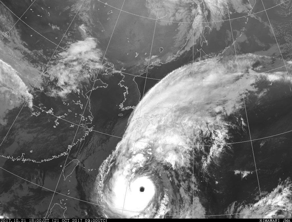 平成29年台風第21号「ラン」 http://www.jma.go.jp/jp/typh/1721.html…  21日19時推定 南大東島の南南東約 310km 中心気圧 925hPa 最大風速 50m/s  #Typhoon #Lan #台風21号 @twiphoon