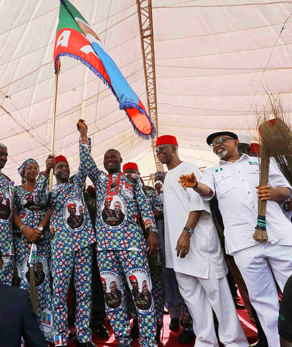 APC 'clearest path' for Igbo presidency, Oyegun insists  Read more at: https://t.co/F7wMJQaYvn  @APCNigeria #igbo