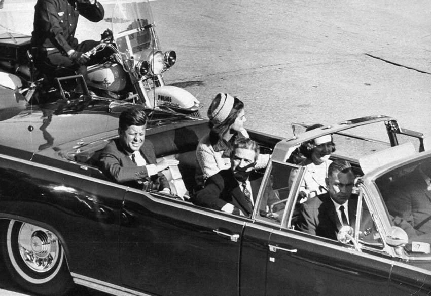 the death of president john f kennedy in dallas texas Jfk assassination video: watch how the jf kennedy former us president john f kennedy was assassinated by lee harvey as he was driven through dallas, texas.