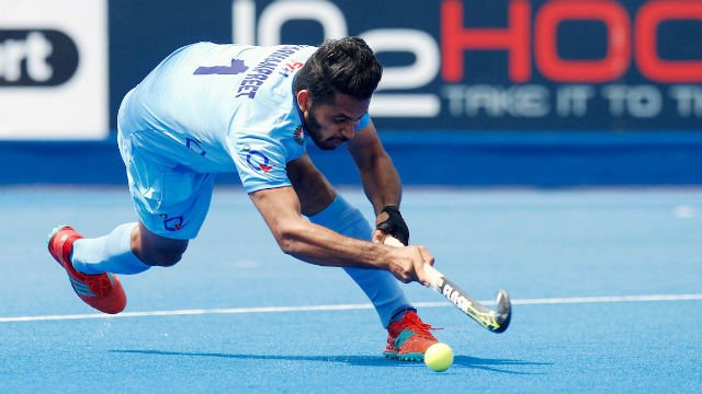#INDvPAK   India beat Pakistan 4-0, enter final of #AsiaCup2017 hockey    http:// dnai.in/f7kq  &nbsp;  <br>http://pic.twitter.com/RHrhAvdThc