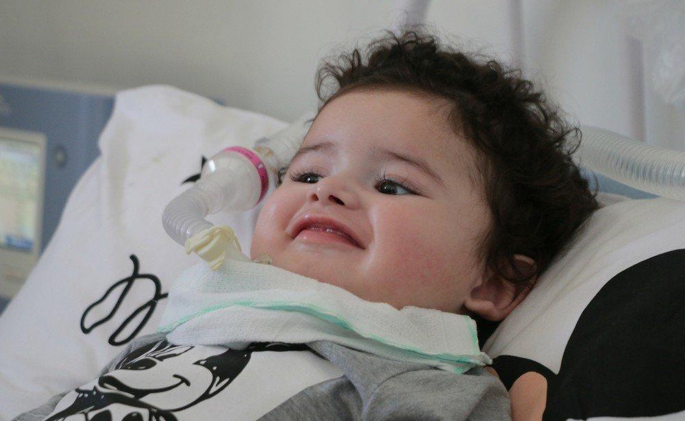 Morre o menino Arthur, bebê com doença rara que tinha campanha na internet para tratamento https://t.co/5q08BLxlrB