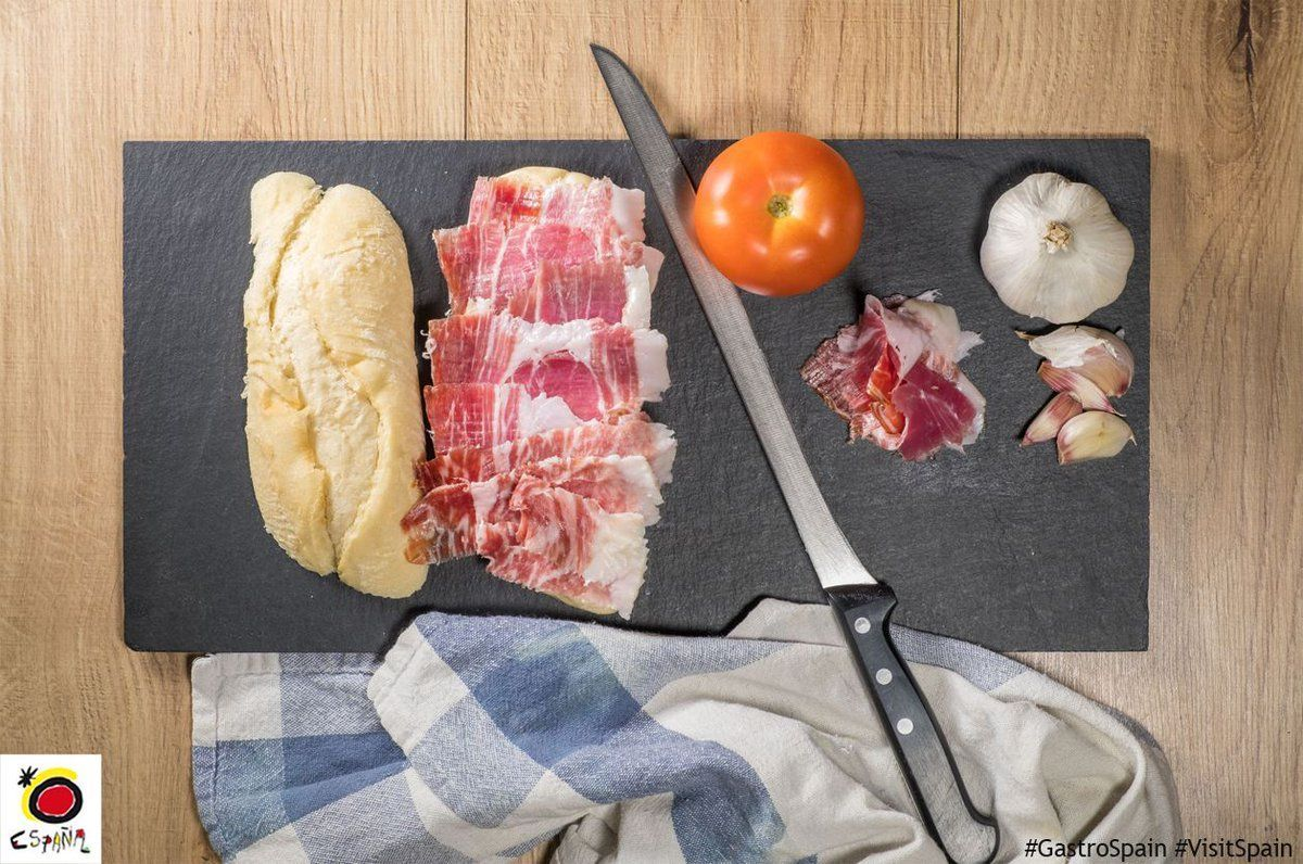 Time for lunch! Fancy an Ibérico ham sandwich? A slice of heaven! #GastroSpain #food #gastronomy <br>http://pic.twitter.com/xO0v1qUao3