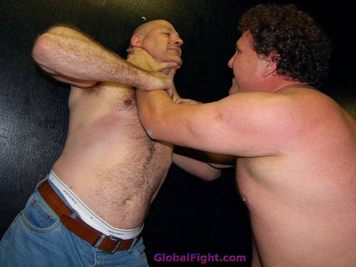 My  http:// GLOBALFIGHT.com  &nbsp;   bar fighting friend #bar #room #fighting #fights #brawl #brawler #strangling #him #wrestling #wrestlers #profile<br>http://pic.twitter.com/zylgJmu48n