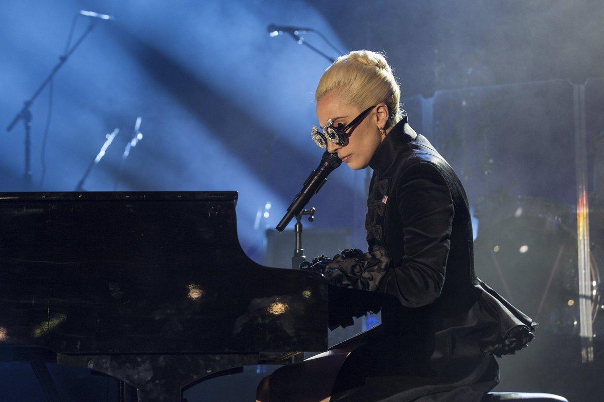 @ladygaga Favorite Female Artist Pop/Roc...