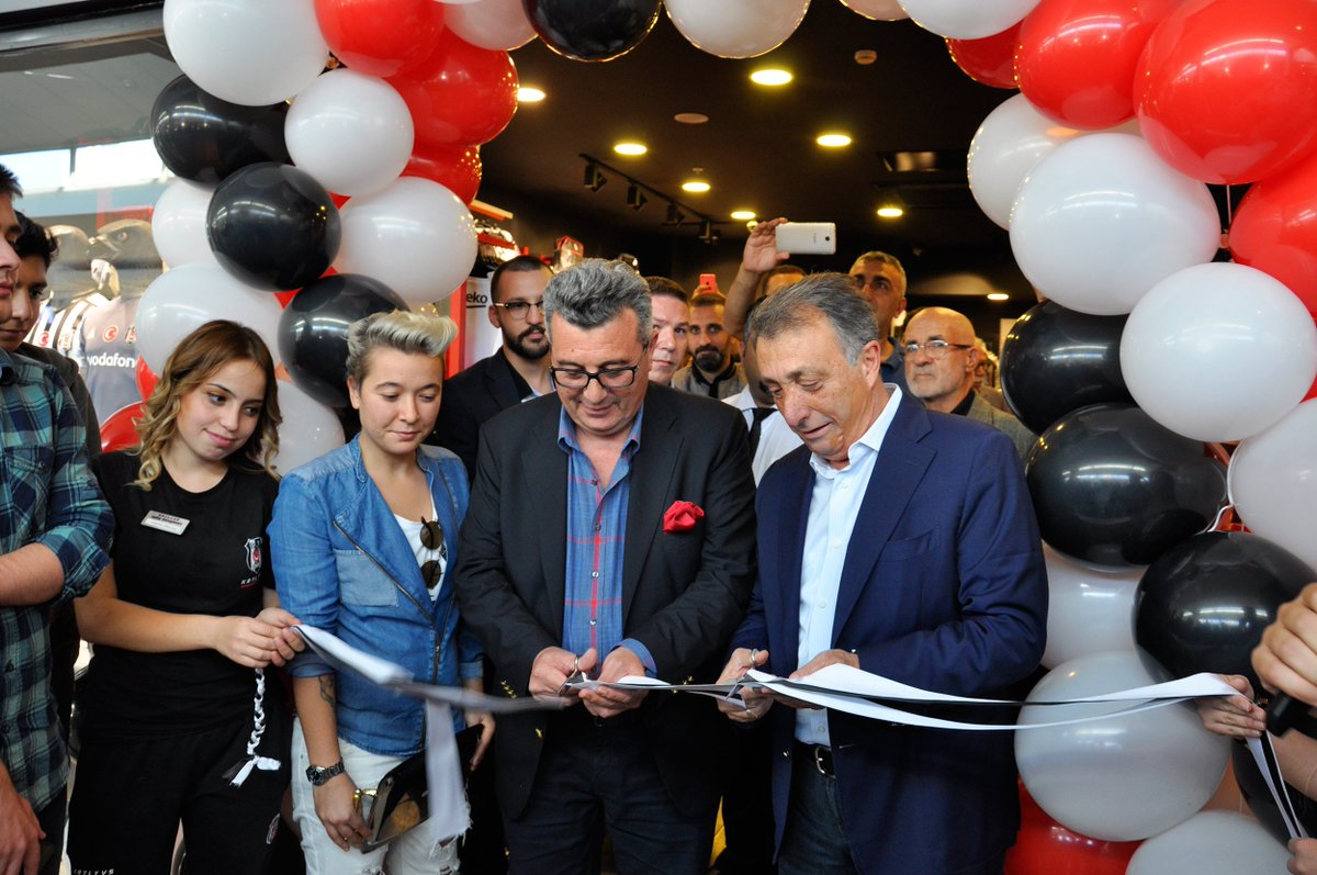 Kartal Yuvası İçerenköy Carrefour Mağazamız Törenle Açıldı   #Beşiktaş @BJKKartalYuvasi