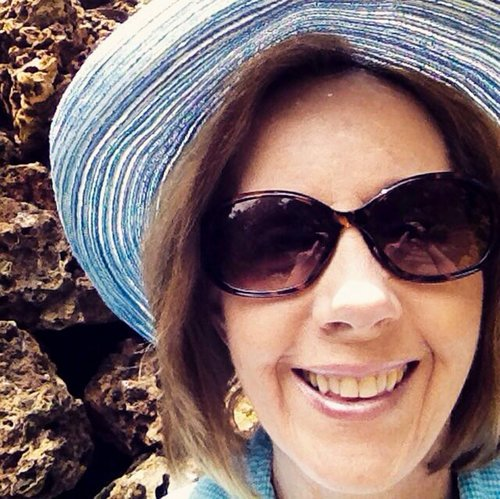 Doctors gave @Hospgone 8 years of blood tests, MRIs she didn&#39;t need after breast cancer. #bcsm  http://www. npr.org/sections/healt h-shots/2017/10/21/558837836/many-breast-cancer-patients-receive-more-radiation-therapy-than-needed &nbsp; … <br>http://pic.twitter.com/TP2JirqMA5