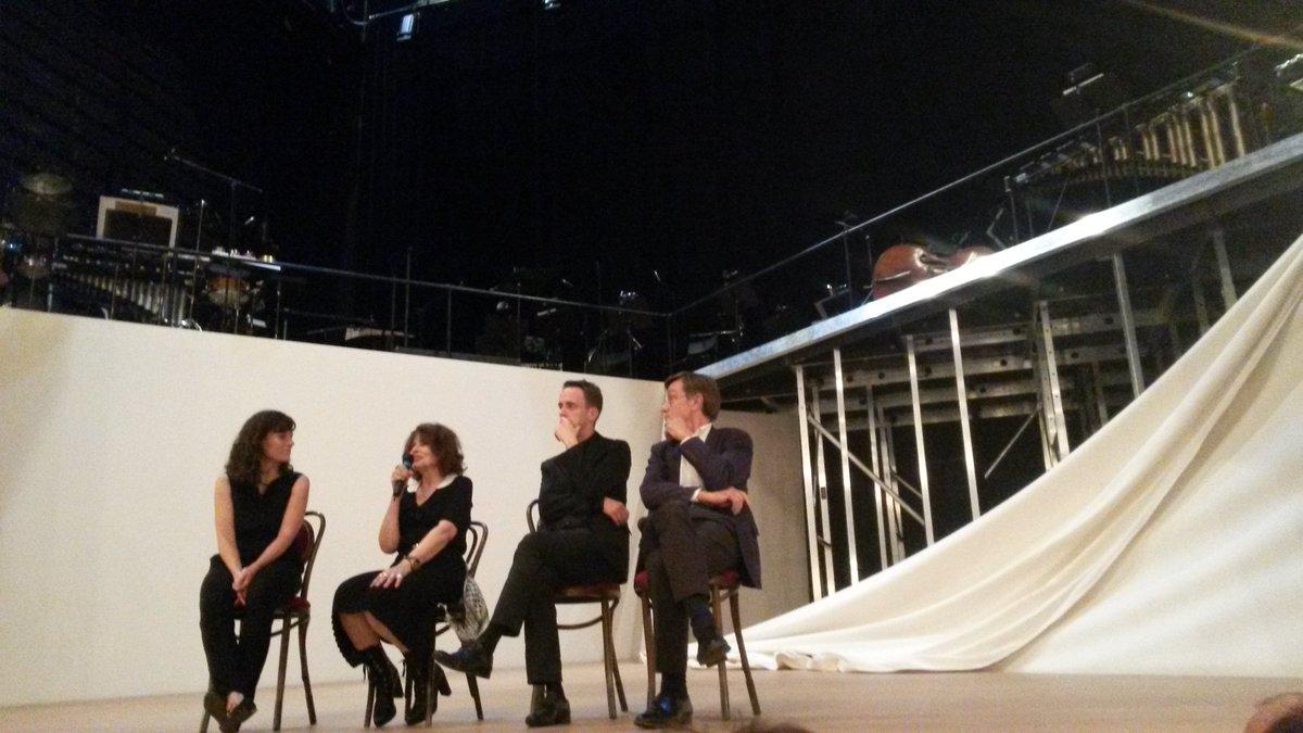 @theatreathenee #Cassandre #FannyArdant est une lanceuse d\