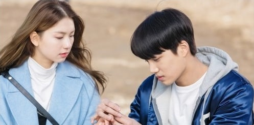 #EXO's Kai Heightens His Romance With Kim Jin Kyung In