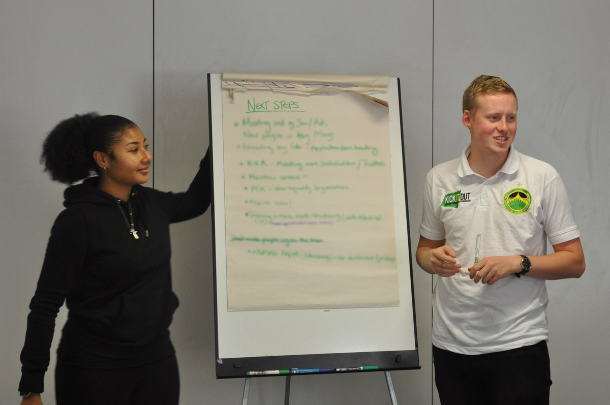 At the end of this significant week I was proud to work with the future leaders of football: @kickitout  #ASPIRE <br>http://pic.twitter.com/rmKQEC3zdD
