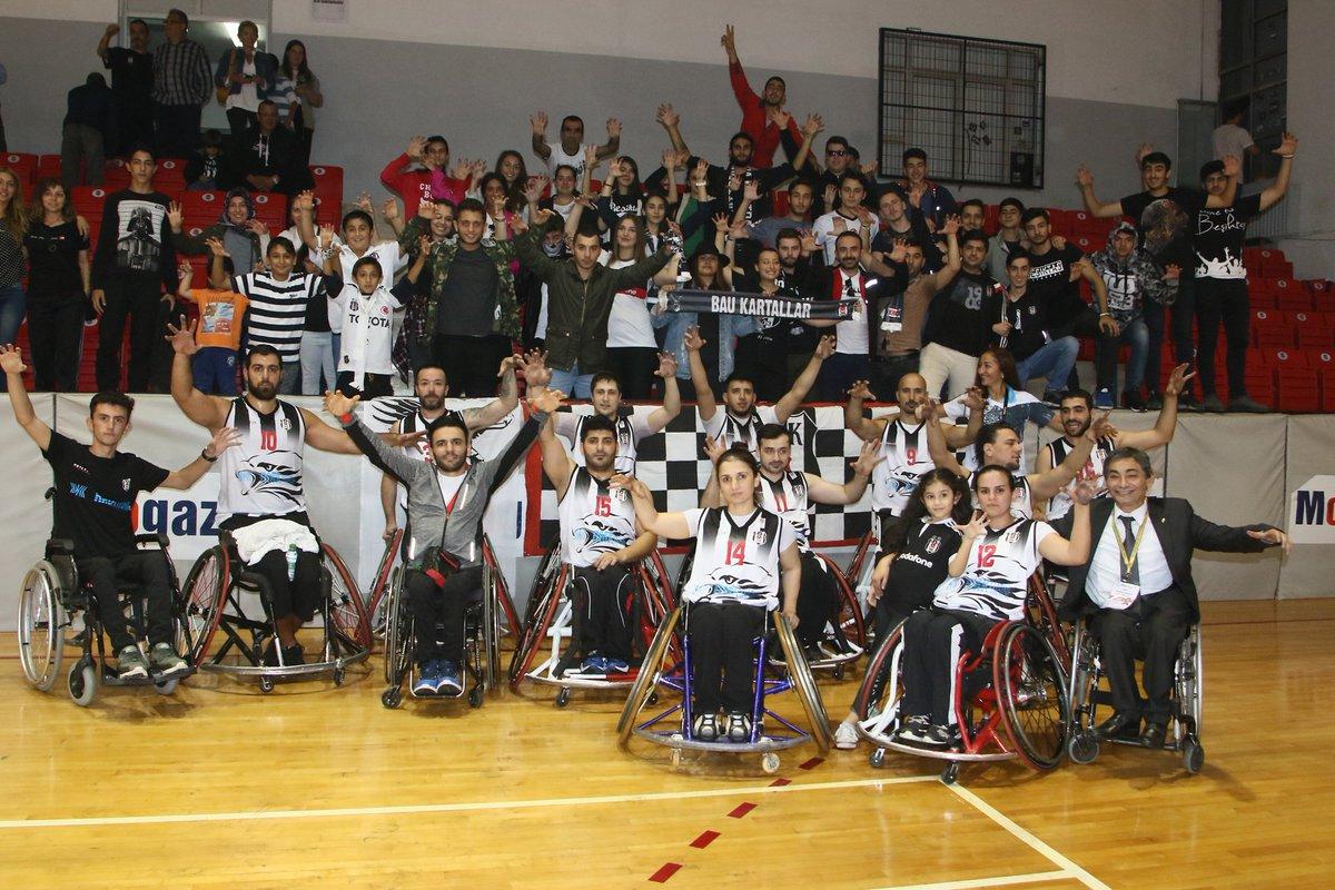 #EngelsizKartallar\'ın K. Karabükspor galibiyeti sevinci. #BeşiktaşRMKMarine