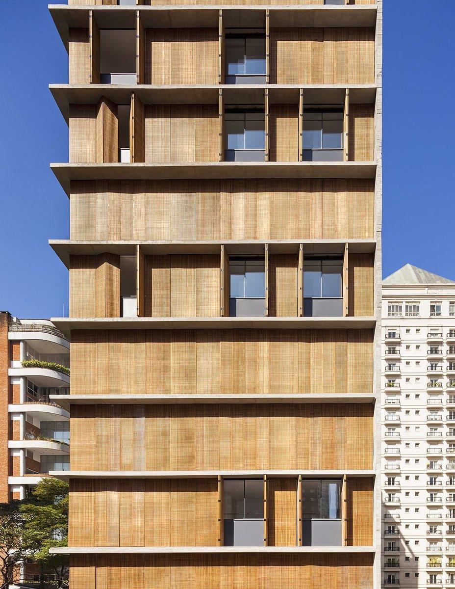 Apartment in Brazil  #dynamic #facade #architecture  https://www. archdaily.com/575391/vitacon -itaim-building-studio-mk27-marcio-kogan-carolina-castroviejo &nbsp; … <br>http://pic.twitter.com/PFPVdt7I0d