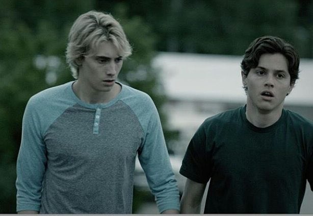 Renewal of a tvshow doesn't happen overnight they take time that's why #Eyewitness fandom will never stop fighting #WeWantEyewitnessSeason2 https://t.co/XBcFfMT3nJ