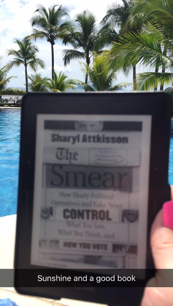 In #Panama reading #theSmear by @SharylAttkisson it&#39;s so good I have to remember to come in from the sun b4 I fry<br>http://pic.twitter.com/adgfQOH35t