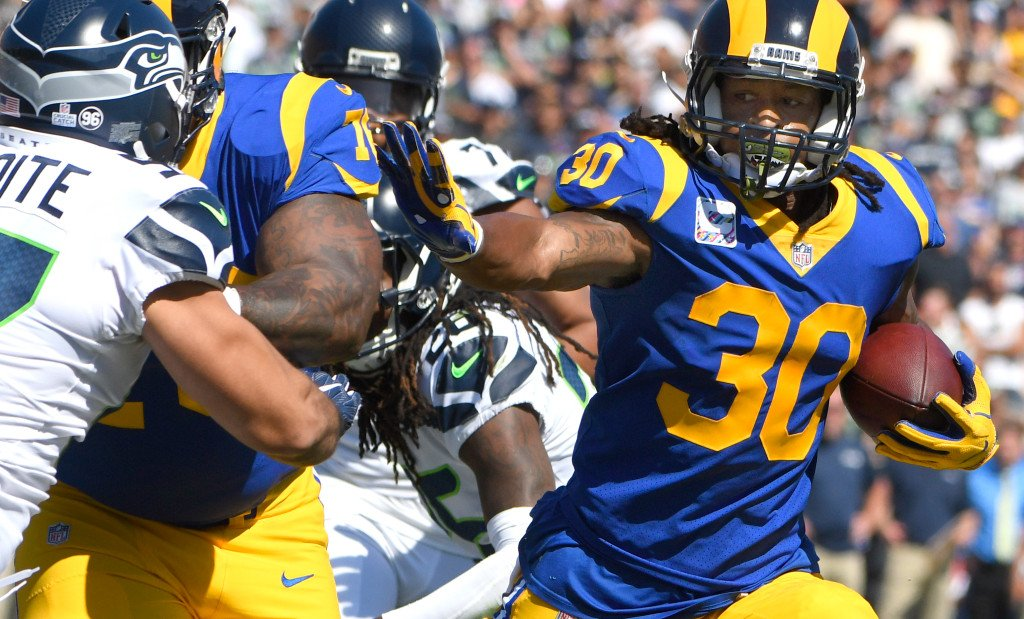 Todd Gurley now is an all-downs threat for Rams, unlike last year https://t.co/lYW4V7toFg