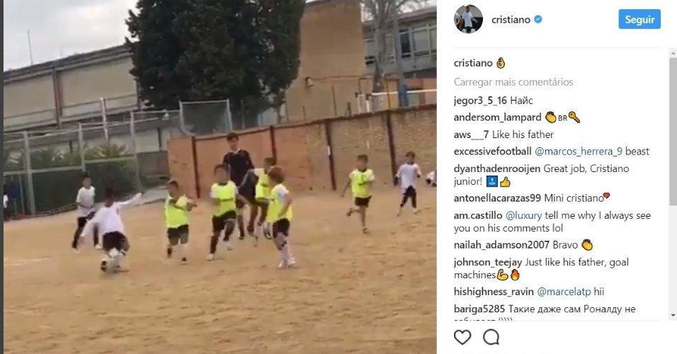 Pai coruja, Cristiano Ronaldo posta vídeo de filho fazendo gol https://t.co/Oz7o0jSHi7