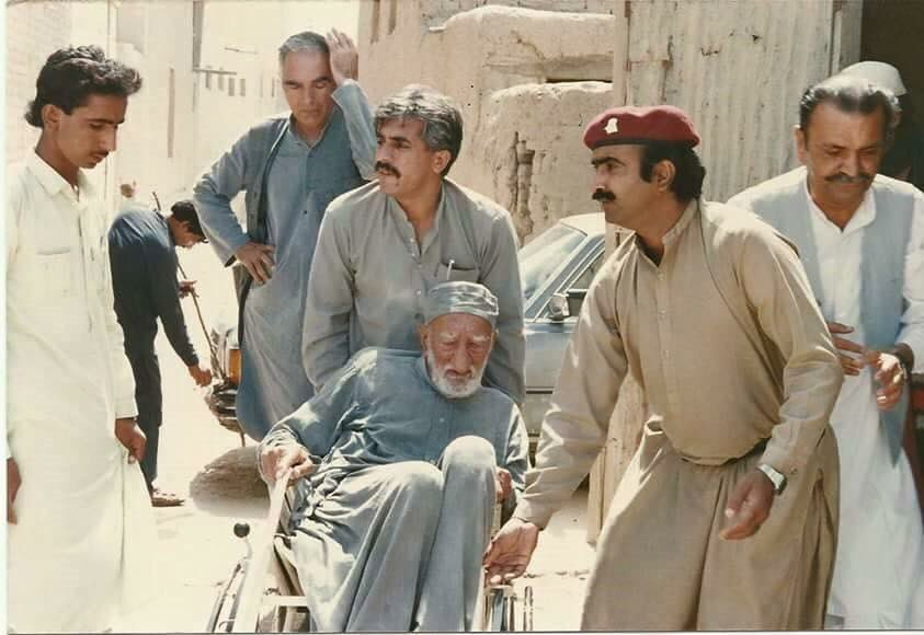 Due to leg pulling and mud slinging inside #ANP, Farid Tofan never been adjusted in party: #KhudaiKhidmatgar @rifatorakzai @JBaghwan<br>http://pic.twitter.com/MPUuNTW1DA