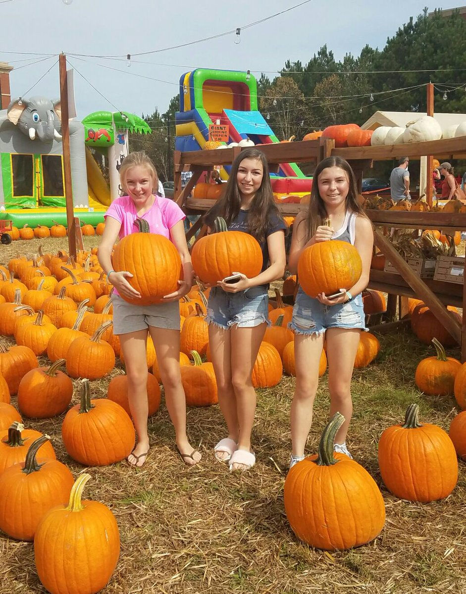 Family and Tradition is what Fall is all about!  Love these Precious G...