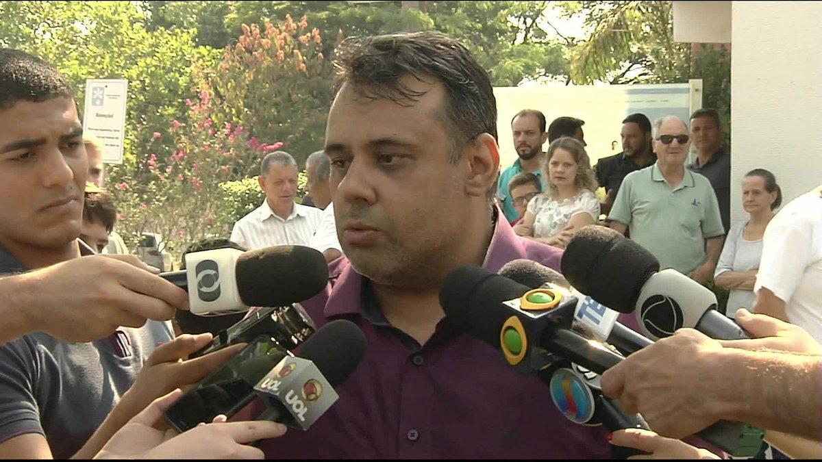 Após enterro, pai de adolescente morto por colega em escola em Goiânia fala sobre perdão: https://t.co/aHlB5LmeRu
