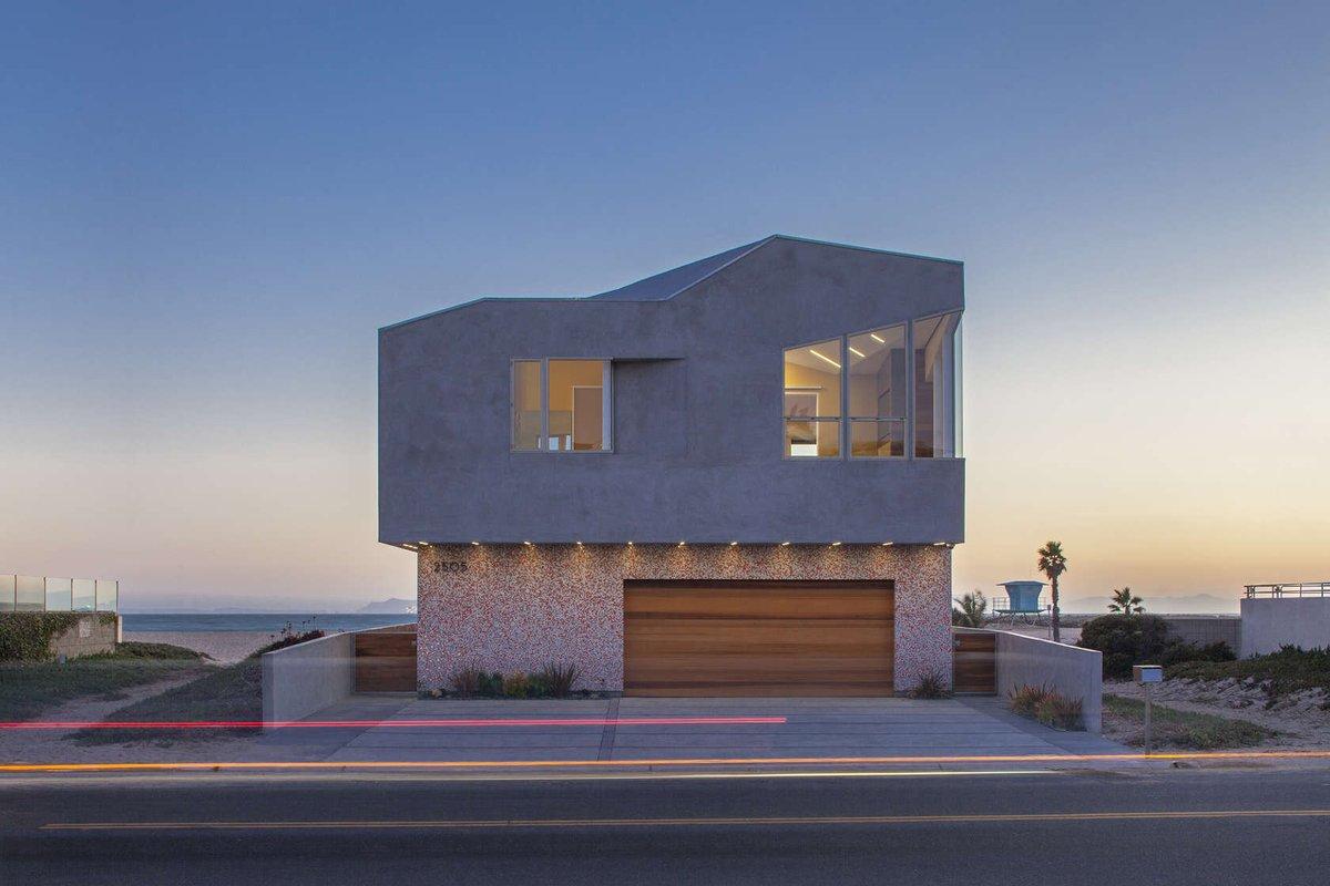 Beach House by Robert Kerr Architecture Design |  http://www. homeadore.com/2015/03/16/bea ch-house-robert-kerr-architecture-design/ &nbsp; …  Please RT #architecture #interiordesign<br>http://pic.twitter.com/rUDFN8CelX