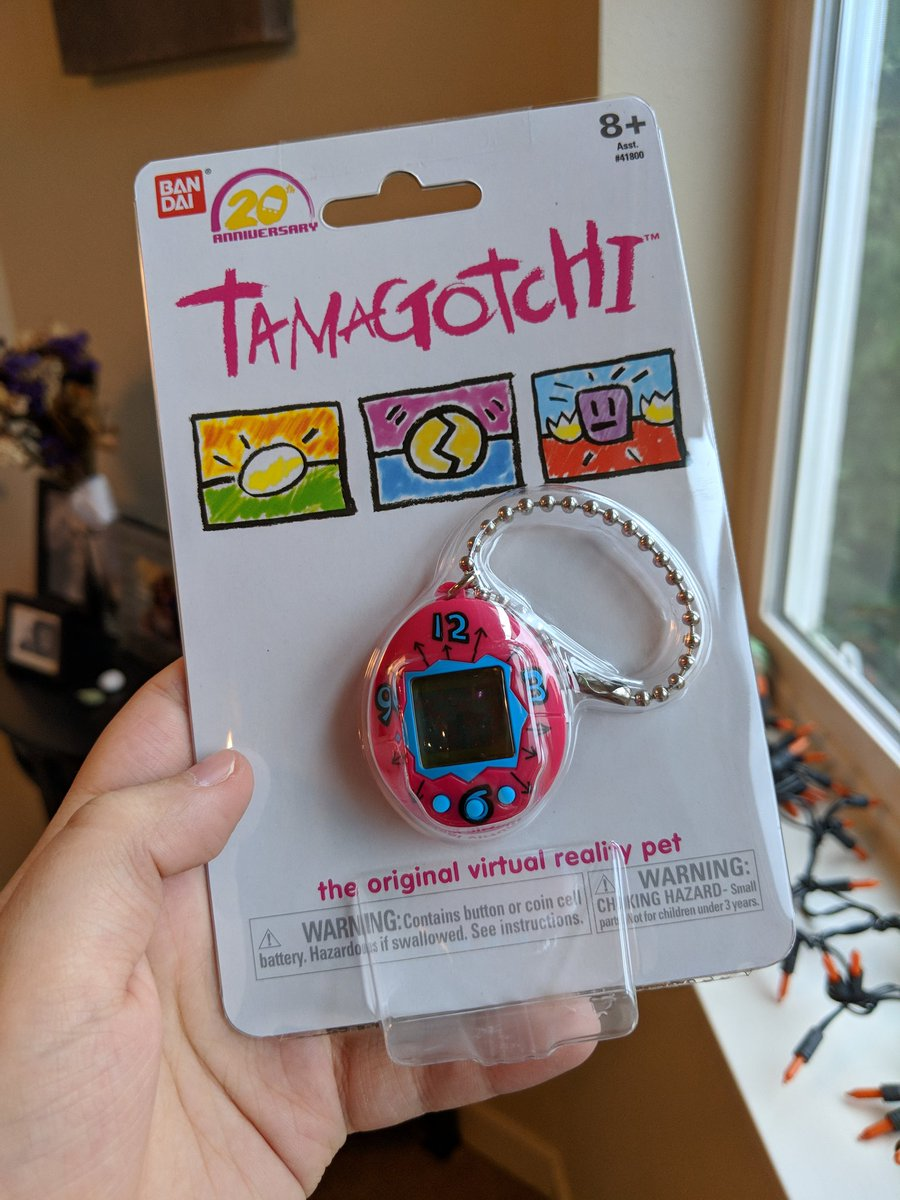 Oh my goodness!!!! It came! #Tamagotchi <br>http://pic.twitter.com/T0VoLNeVKW