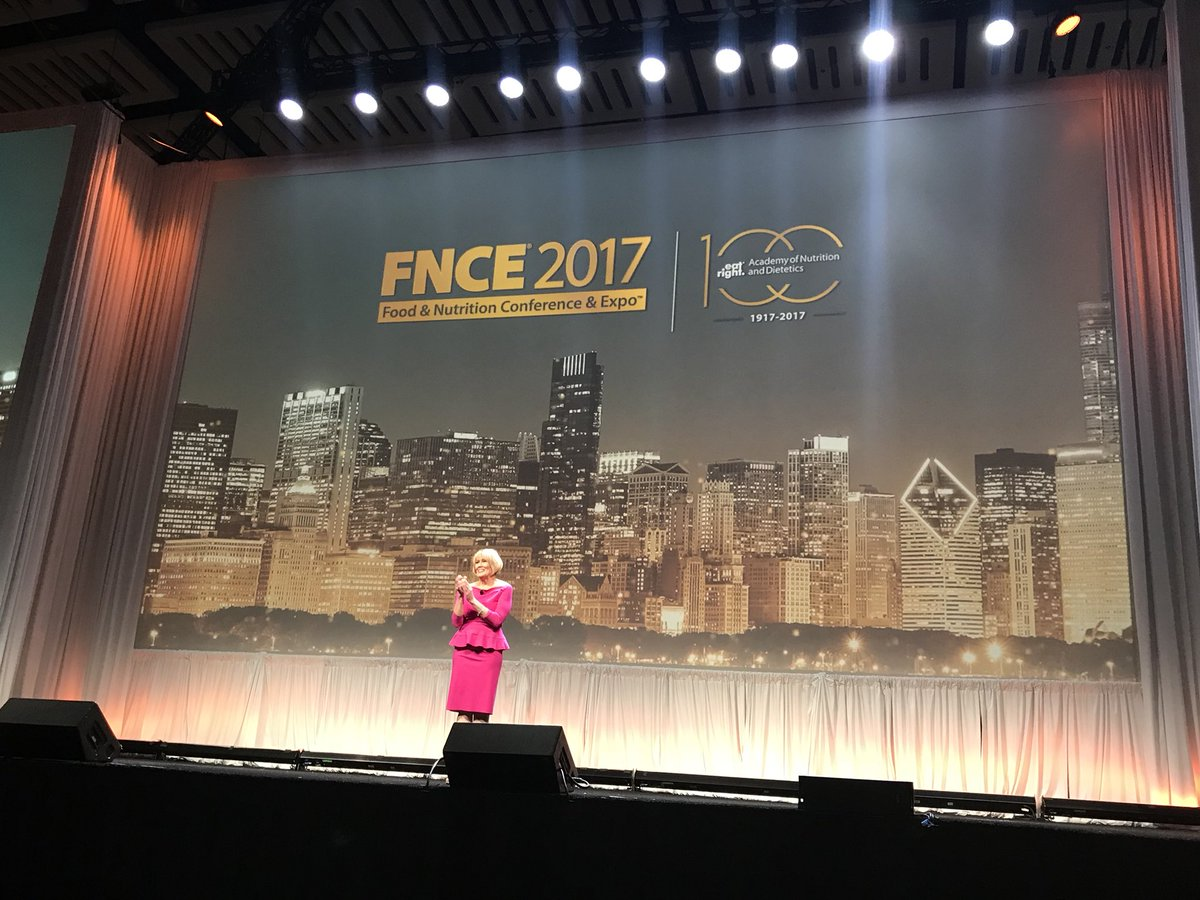 #FNCE trending THX @donnamartinrd 4 putting @eatrightPRO on #global stage @MaryRussellRDN @KidsDietitian @BCPS_Bears @Harvest_Bright<br>http://pic.twitter.com/uQ5RlI2Y5I &ndash; à McCormick Place