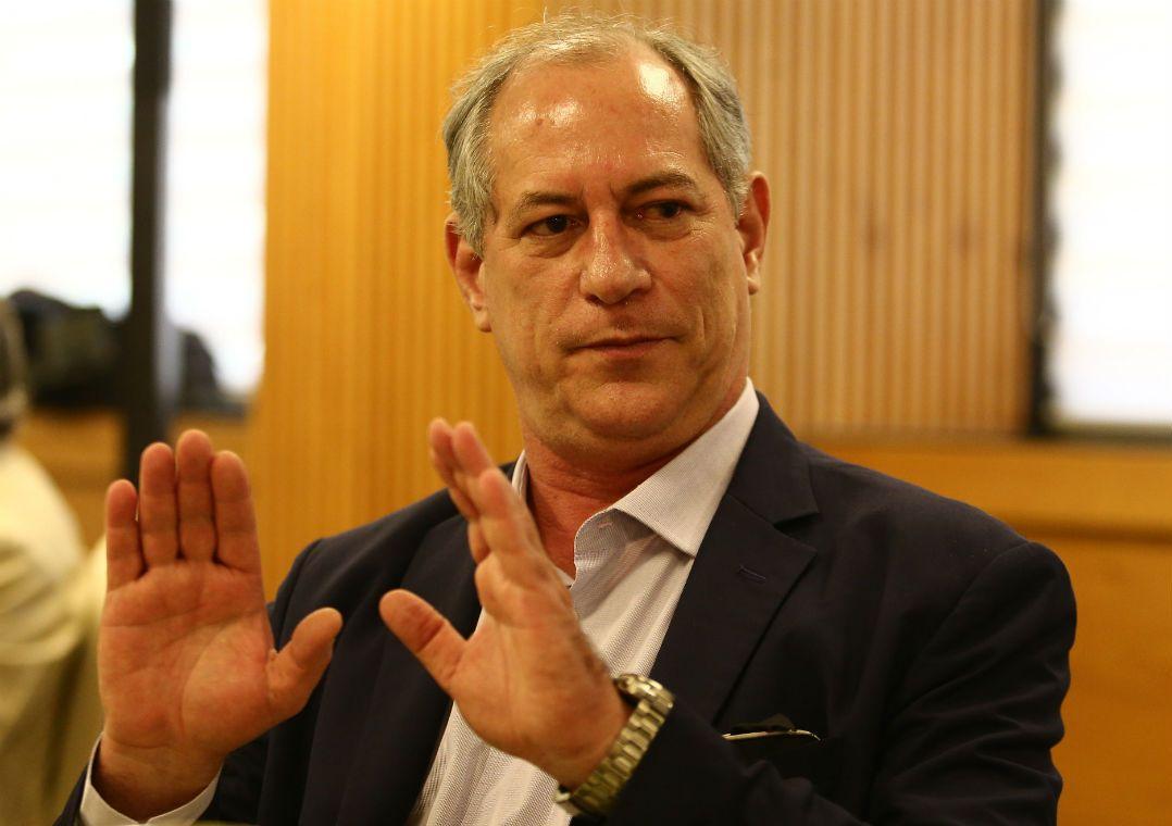 'Momento é de testosterona', diz Ciro Gomes sobre candidatura de Marina. Ex-governador também dirigiu críticas ao Alckmin, Doria e Aécio.