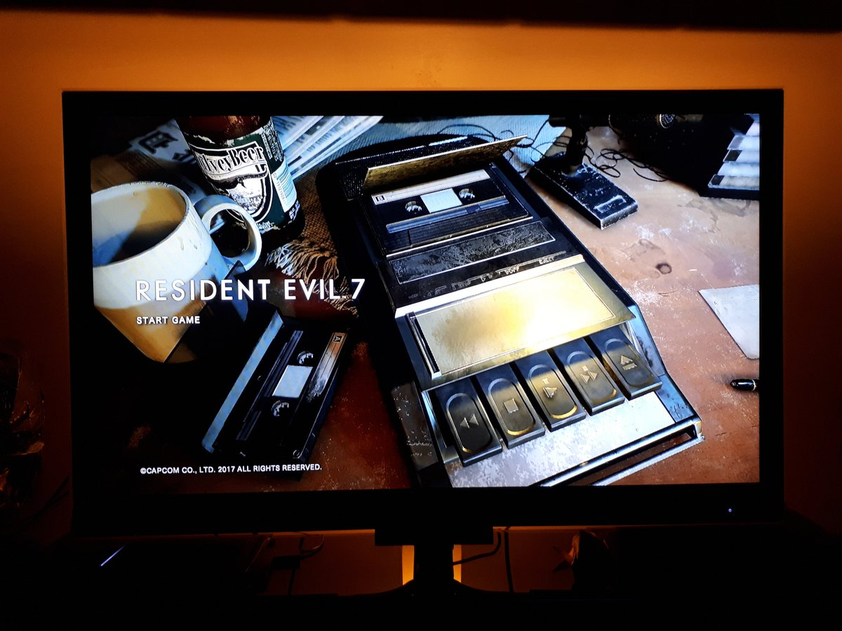 About to have a solo attempt on #Capcom&#39;s #ResidentEvilVII...  This should be fun   Yes, I&#39;ll be keeping the light on    #RE7  #PS4<br>http://pic.twitter.com/c055YU8TGH