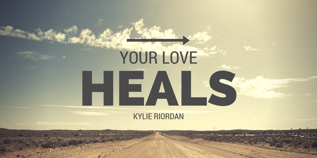 YOUR #LOVE #HEALS  via @mindfulheal  #ThinkBIGSundayWithMarsha #InspireThemRetweetTuesday #IQRTG #JoyTrain #SuperSoulSunday<br>http://pic.twitter.com/aCaTa2DeWH