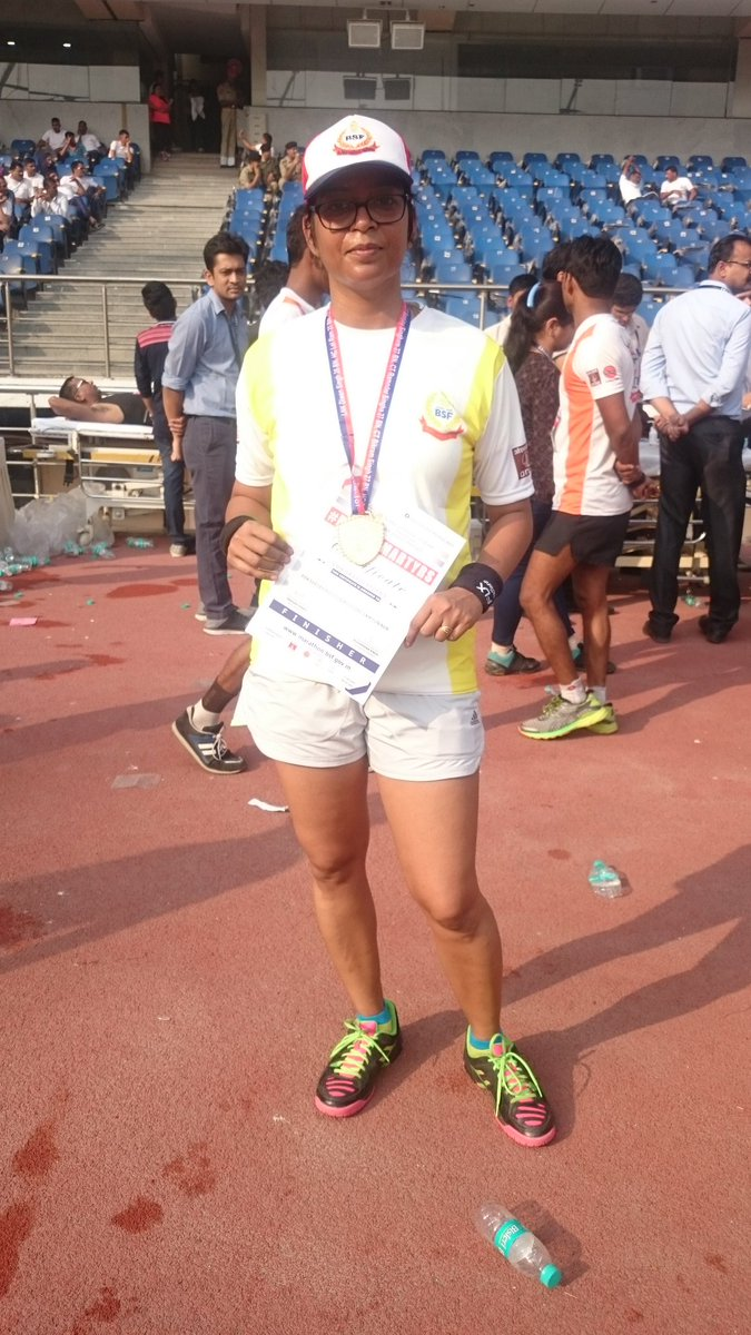 Finishing pose #BSFRUN #5Km  @akshaykumar @KirenRijiju @BSF_India  So happy.  Jai hind <br>http://pic.twitter.com/B8X4Ihq0nH