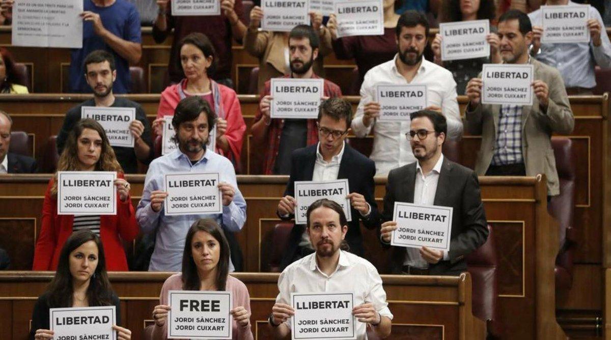 Pobre España tener que soportar a Podemo...