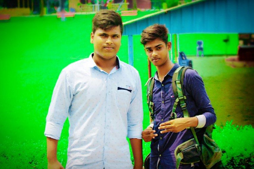 #me &amp;my friend <br>http://pic.twitter.com/qzP0V0pBxX