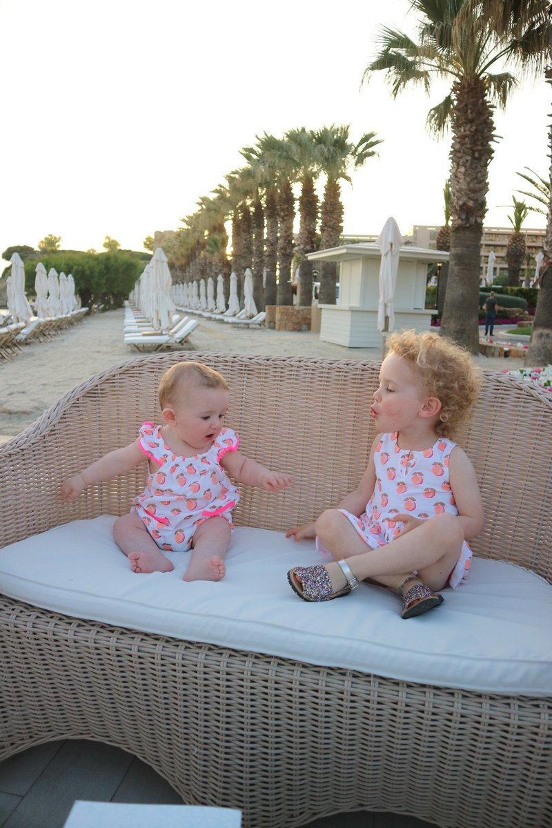Packing list &amp; top tips for #holidays with kids  http:// surreymama.com/2017/05/17/pac king-list-for-a-holiday-with-a-toddler-and-a-baby/ &nbsp; … <br>http://pic.twitter.com/hV7qb5OCN9