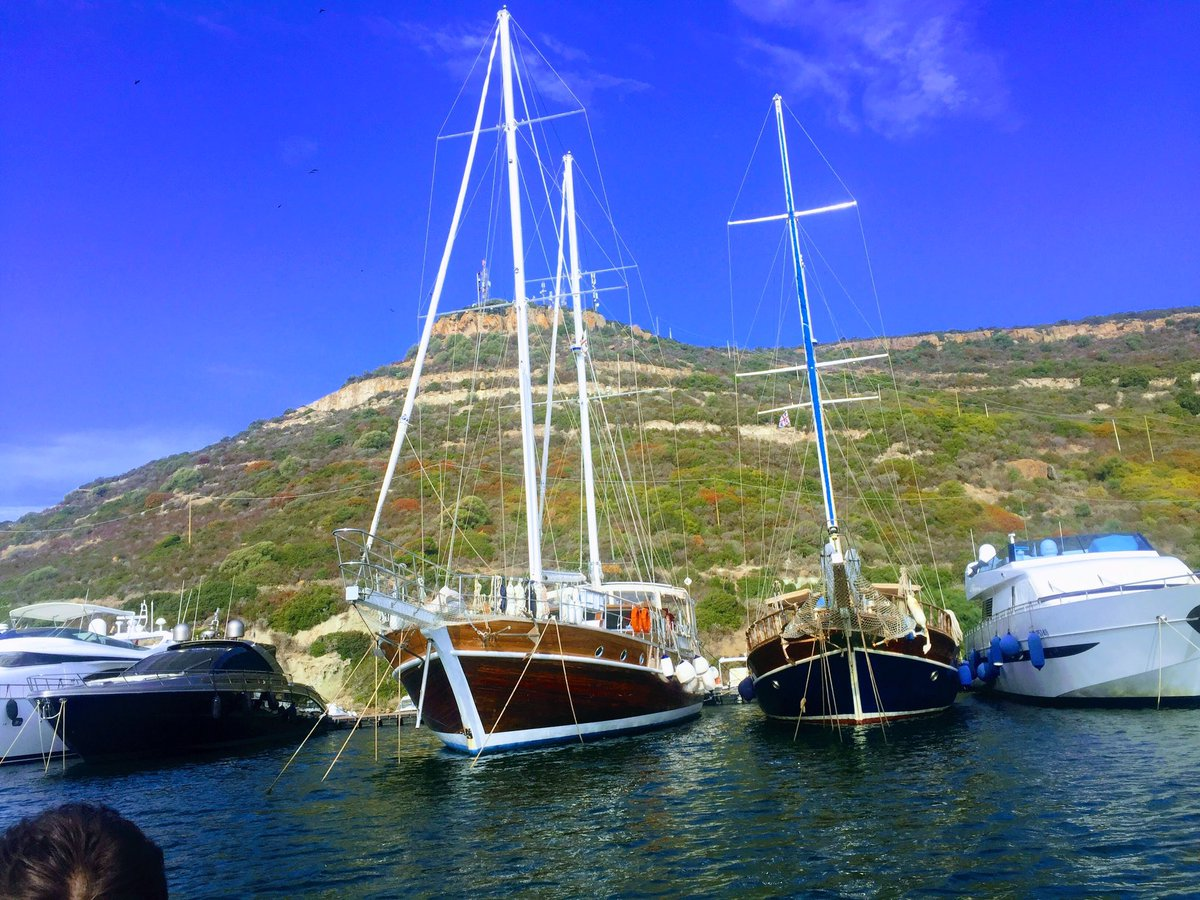 Yacht charter Italy by Yacht Boutique Srl Bosa Sardinia  #yachtboutique #boutique #bosa #charter #portocervo #holiday #yacht #sardegna #ttot<br>http://pic.twitter.com/jHjhLEfaeE