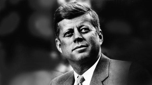 Trump déclassifie des documents sur la mort de JFK https://t.co/JZmABHPNPa #JFK #Trump #Oswald