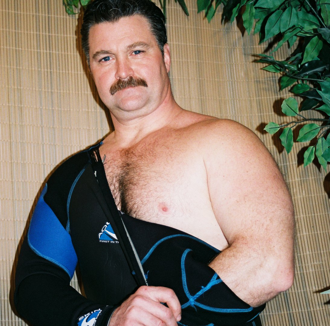 LOOK LIKE THIS UK MAN? get MONTHLY SALARY from  http:// ModelingPortfolio.org  &nbsp;   #uk #british #bear #daddy #muscles #london #england #bloke #strong<br>http://pic.twitter.com/e7bAsRsB7P