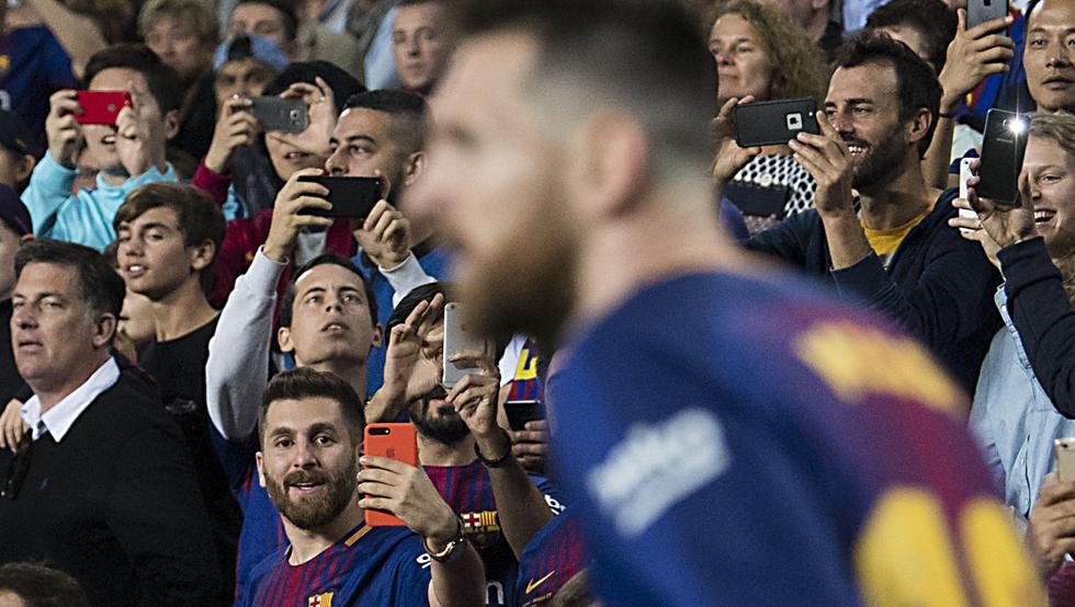 Messi e il dono dell'ubiquità: eccolo in campo e sugli spalti contemporaneamente - https://t.co/kincGsfItz #blogsicilianotizie #todaysport