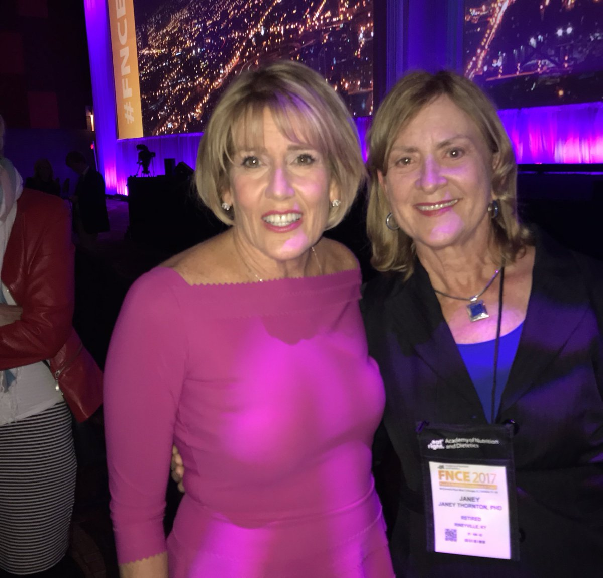 Hey #FNCE 2017! What a terrific #Day1! Hope your #Day2 will be filled with #knowledge #food and #friends like @janey_thornton @eatrightPRO<br>http://pic.twitter.com/gYFNZpwBGp