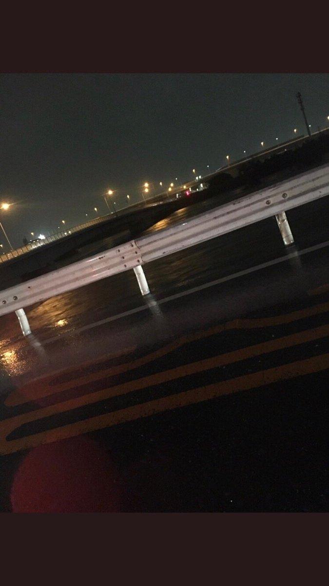 大和川が氾濫した…結構ヤバイと思う全力で逃げてる。ガードレール使ってるし…#大和川 氾濫#大和川氾濫#大和川 pic.twitter.com/3q0oYt96E8