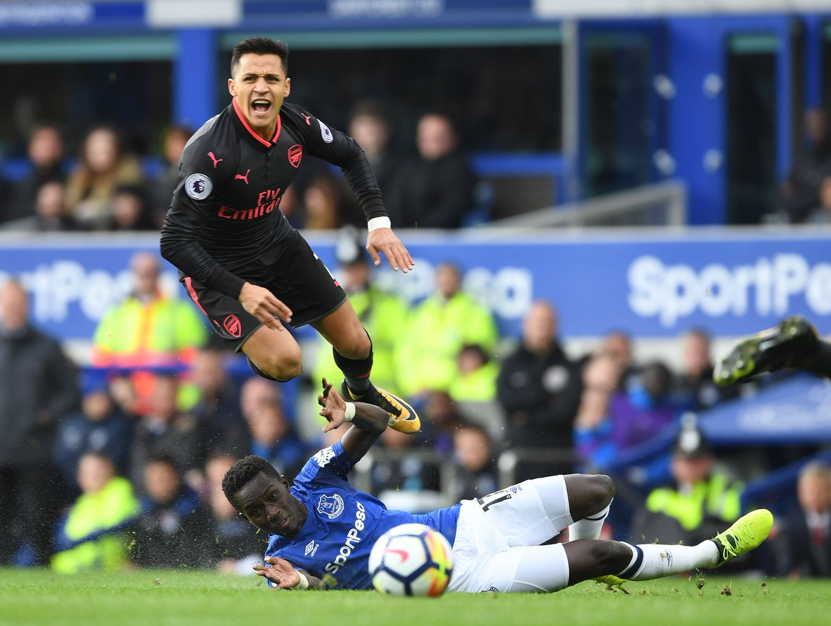 #Arsenal&#39;s Alexis Sanchez from todays win at Everton. #afc<br>http://pic.twitter.com/i1GALLyavP